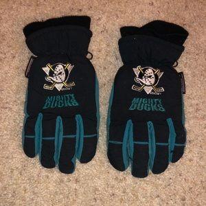 Vintage Mighty Ducks Snow Gloves